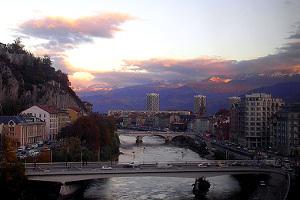 Paseo por el río Isère en Grenoble